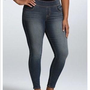 Torrid Denim Pull On Dark Wash Skinny Ankle Jeans